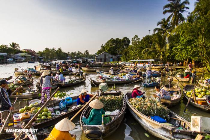 le marché flottant dans le delta du Mékong