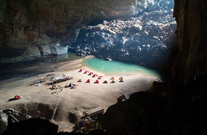 L'intérieur de la grotte de Son Dôong