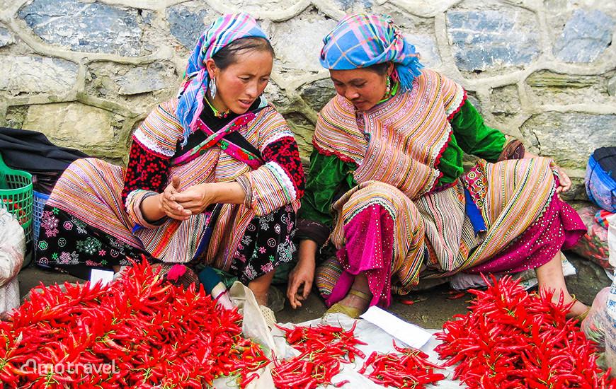 Il mercato di Bac Ha - Due venditrice di peperoncino