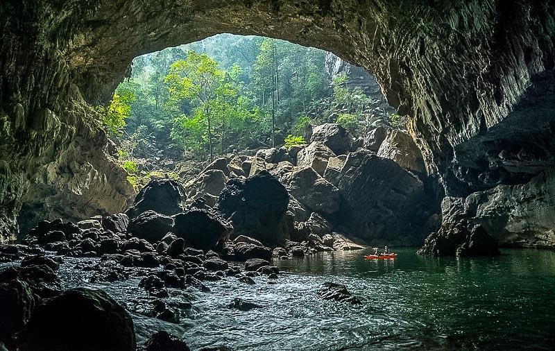 Tham Khoun Xe - Xe Bang Fai river cave