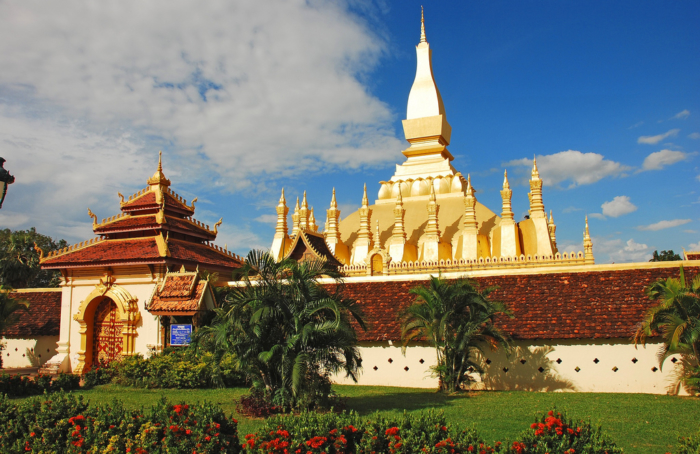 Pha_That_Luang,_Vientiane,_Laos